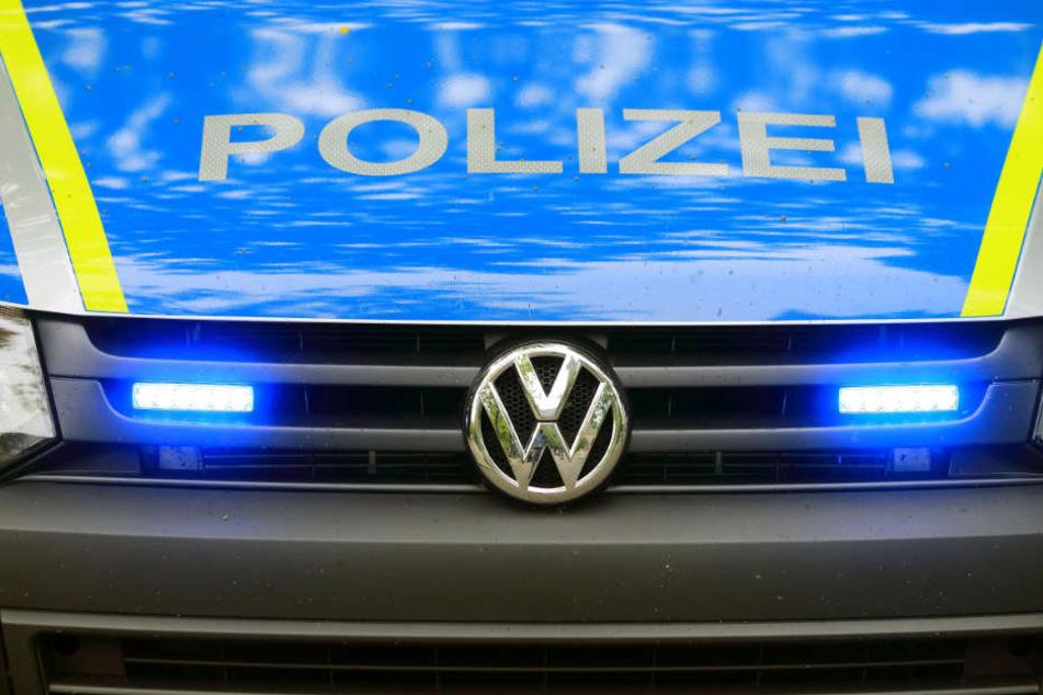 Die Polizei ermittelt wegen fahrlässiger Tötung gegen den Autofahrer.