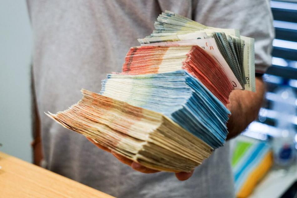 Die Bundespolizei stellte 11.500 Euro sicher.
