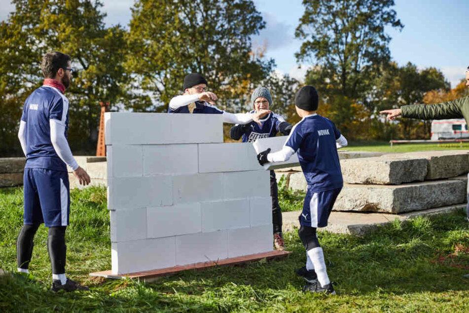 Der Einzug ins Halbfinale war eine knappe Kiste. In einem Teil des Wettbewerbs musste mit Geschick eine Mauer gebaut werden.