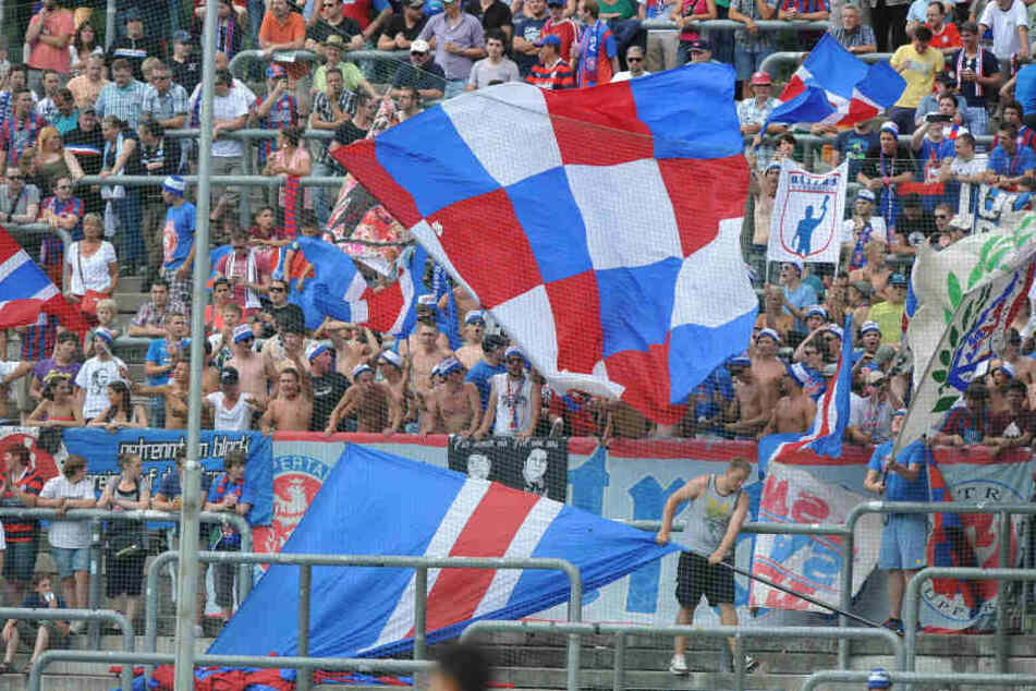 Der Traditionsverein Wuppertaler SV steht vor einer schwierigen Zukunft (Archivbild).