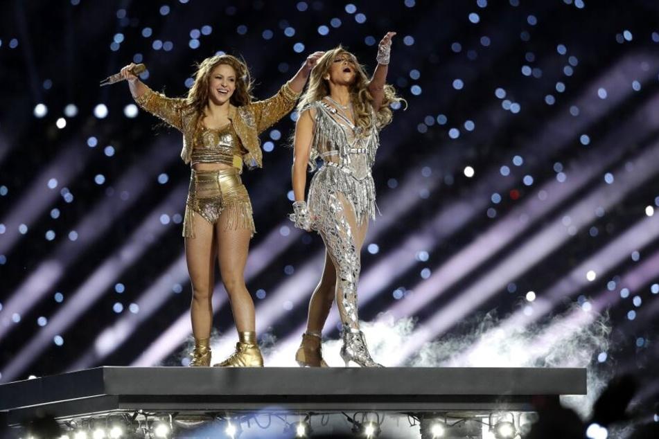 Zu Sexy? Shakira (43) und Jennifer Lopez (50) bei der Halbzeitshow des Super Bowls.