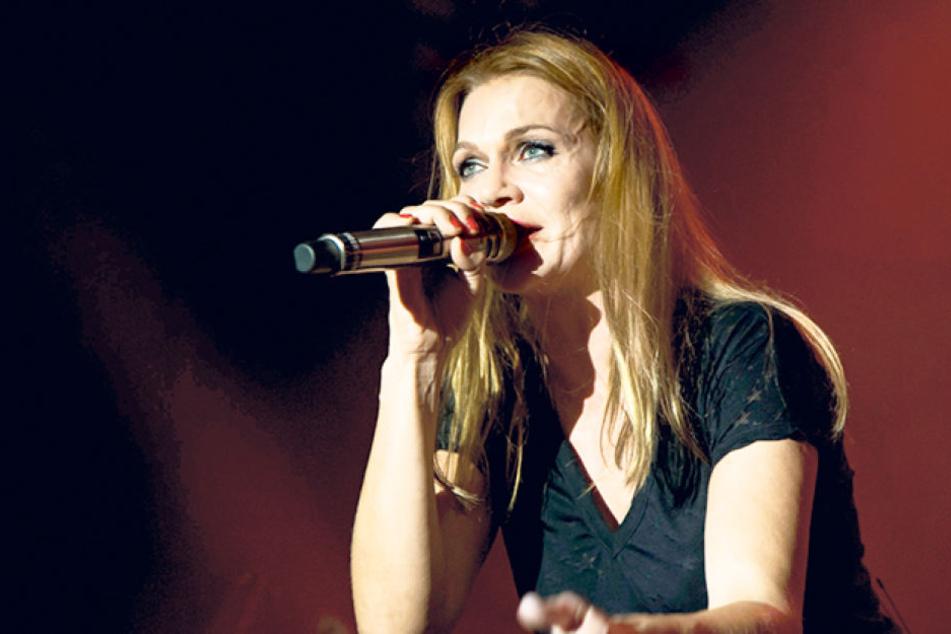 Anna Loos (46) auf der Bühne.