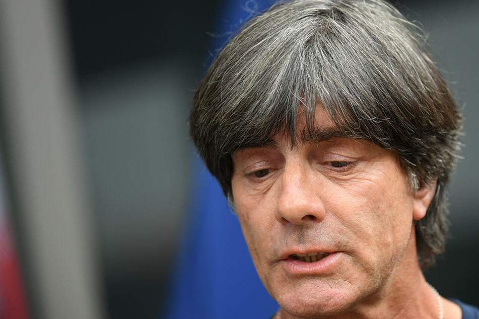 Joachim Löw (58) grübelt nach dem WM-Aus im Breisgau über seine Zukunft.