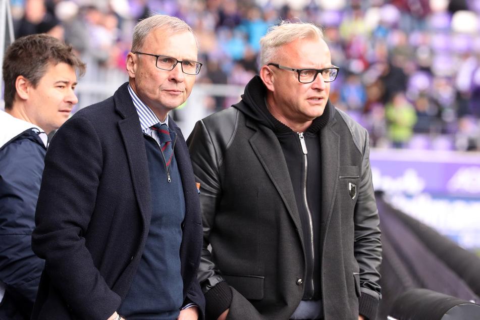 FCE-Geschäftsführer Michael Voigt (r., mit Aufsichtsratsmitglied Uwe Leonhardt) hat derzeit alle Hände voll zu tun.