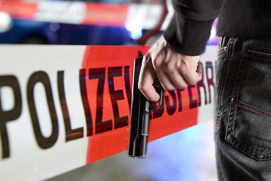 Durch den Schuss wurde der 23-Jährige an der Hand verletzt. (Symbolbild)