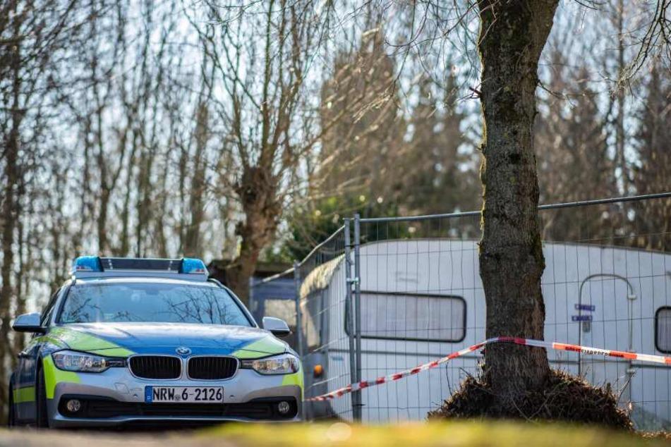Wieder sucht die Polizei nach den fehlenden Beweisstücken.