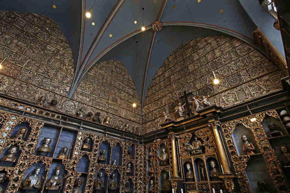 Die Reliquien sind bis zu 1000 Jahre alt.