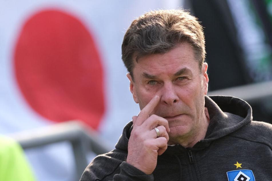 Dieter Hecking warnt vor dem FC St. Pauli. (Archivbild)
