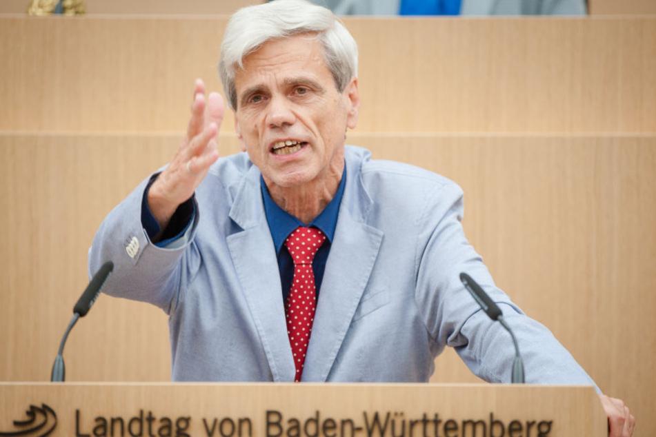 Wolfgang Gedeon darf in der AfD bleiben