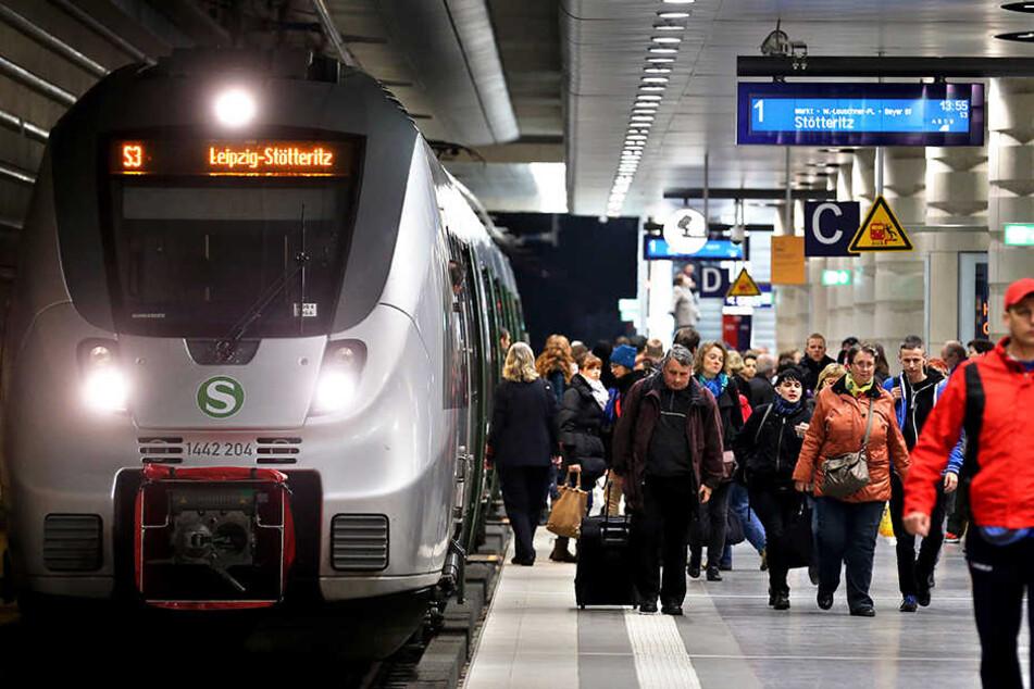 Am Hauptbahnhof wurde ein verdächtiger Gegenstand gefunden. Der City-Tunnel wurde abgeriegelt. (Symbolbild)
