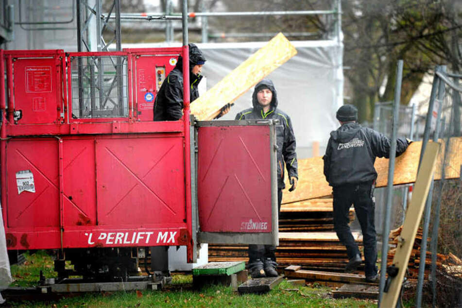 Schuld waren herunterfallende Holzteile, die Mitarbeiter hätten treffen können.