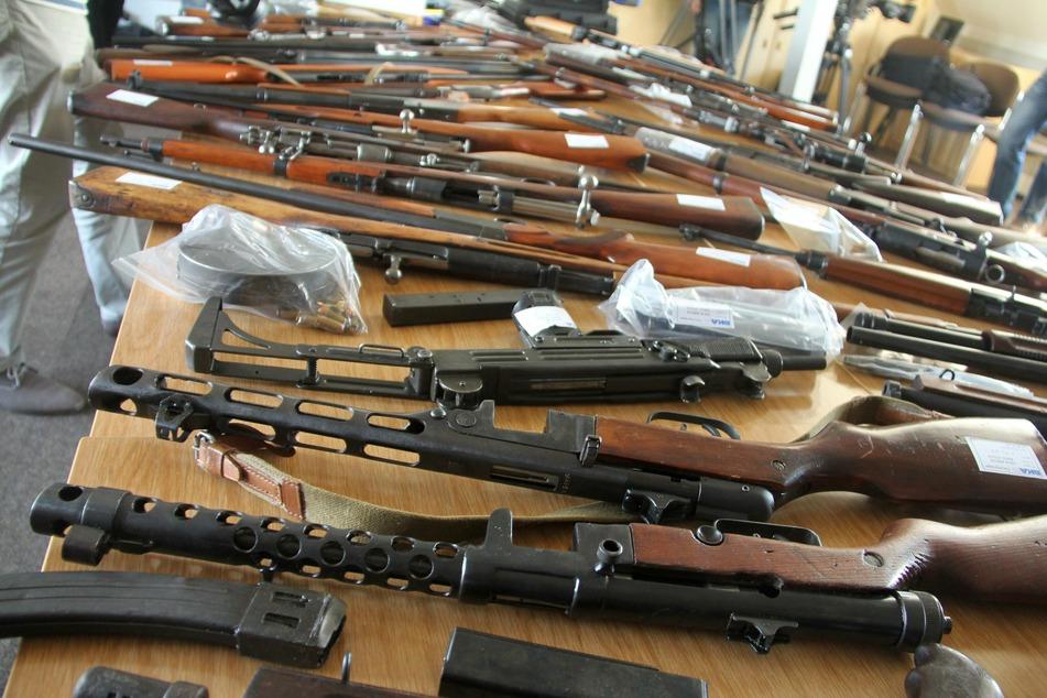 Bereits im Jahr 2015 wurde das Waffenarsenal des Mannes beschlagnahmt.