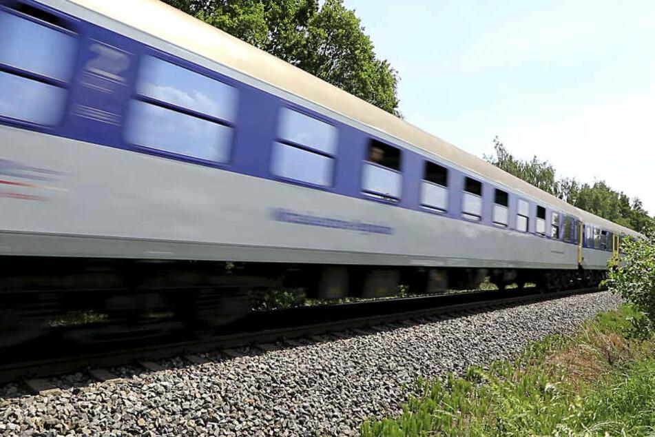 Bis zum 6. Mai wird auf der Strecke gebaut, teilte die MRB mit. (Symbolbild)