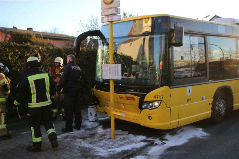 Mehrere Menschen wurden bei dem Unfall verletzt.