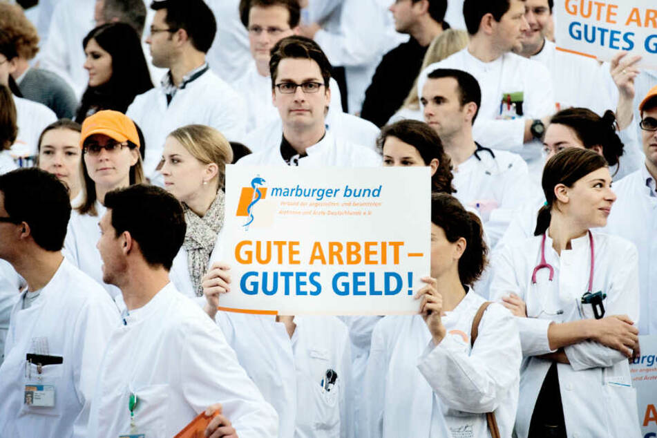 Kliniken sagen Operationen ab: Ärzte streiken in Hamburg