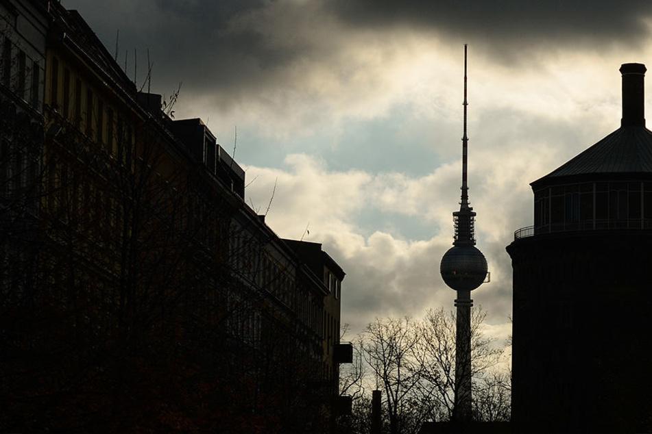 Die junge Frau soll von zwei Männern in einer Shisha-Bar in Berlin vergewaltigt worden sein. (Symbolbild)