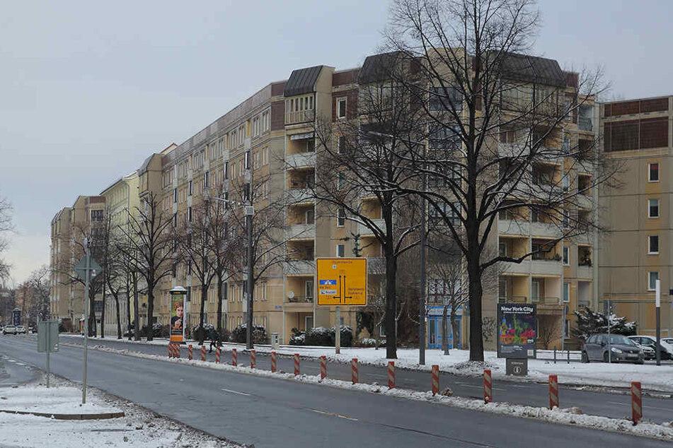Auf der Albertstraße wurde der Rentner angesprochen.