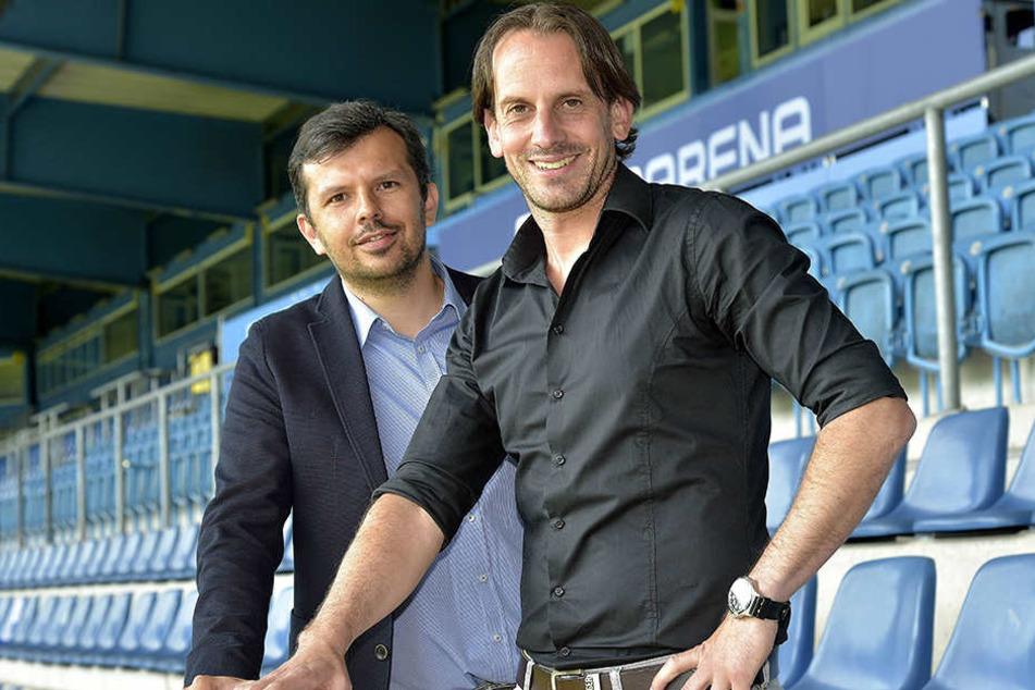 Am 20. Juni präsentierte Samir Arabi (li.) Rüdiger Rehm als neuen Cheftrainer der Arminia.