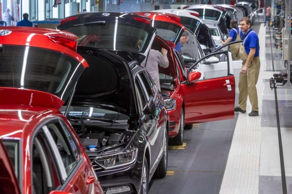 Ab Montag will VW wieder in allen Werken regulär arbeiten.