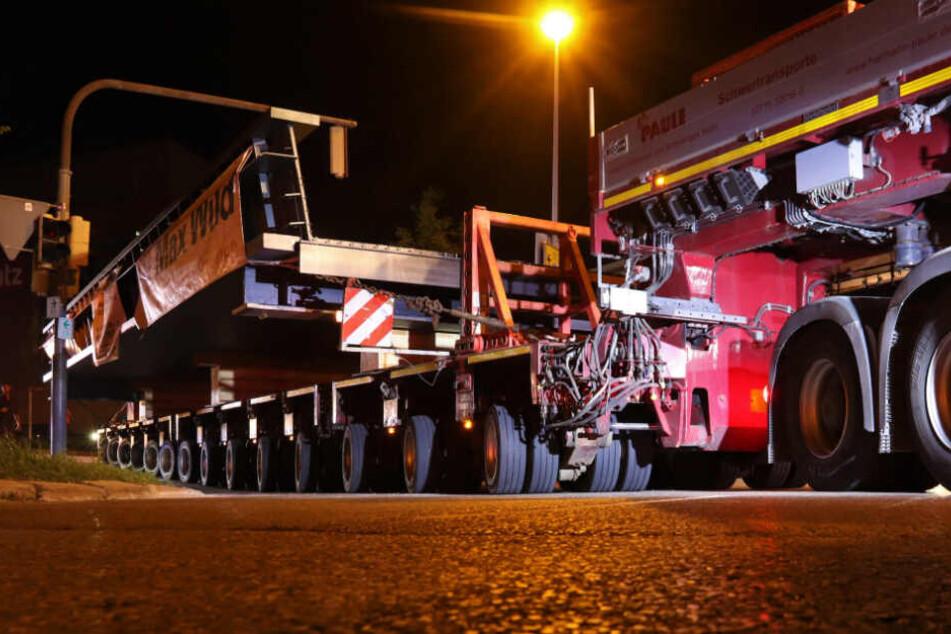 Herausforderung Schwertransport: Mit 177 Tonnen durch die Nacht