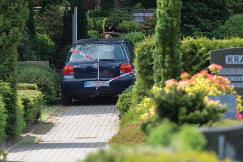 Das Auto der Rentnerin steht auf dem Friedhof in Jesteburg.