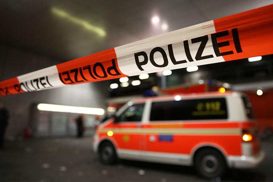 Ein 63 Jahre alter Mann ist im Gelsenkirchener Stadtteil Rotthausen niedergestochen und tödlich verletzt worden. (Symbolbild)