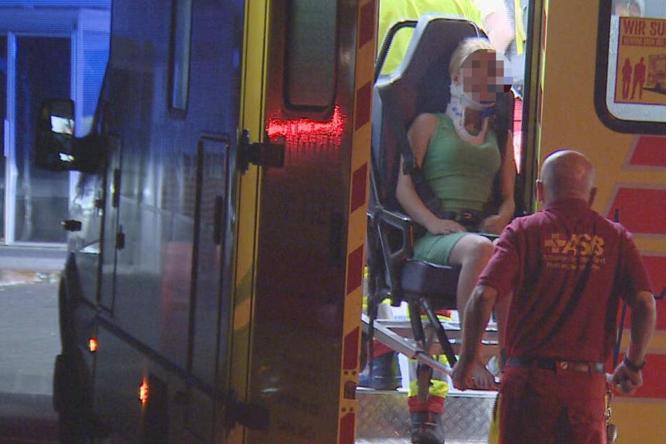 Wohnungs-Decke stürzt ein, kracht auf Bewohner und verletzt drei Menschen