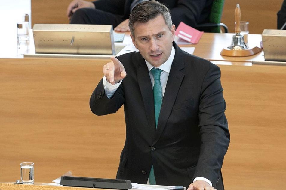 Verkehrsminister Martin Dulig (44, SPD).