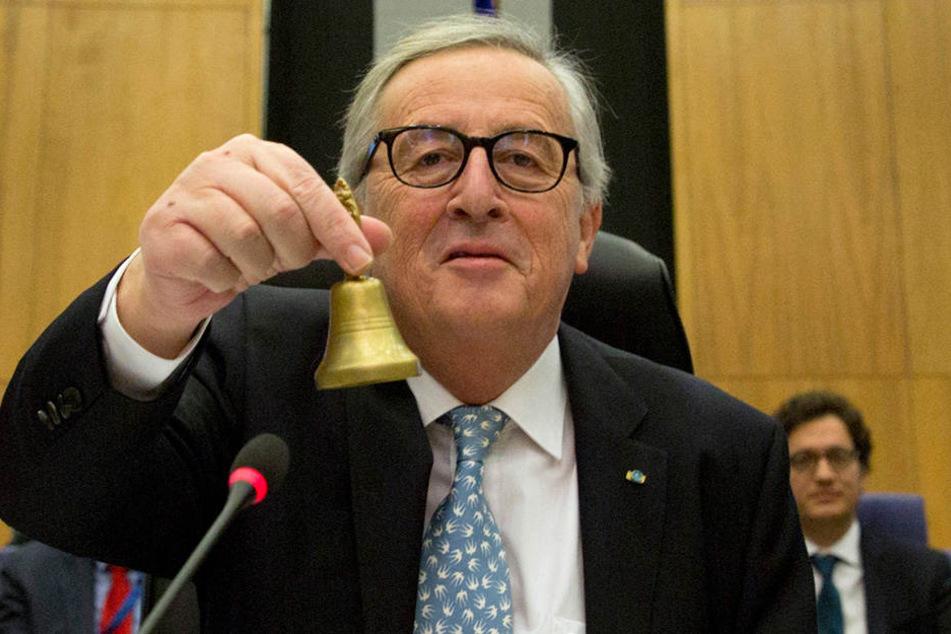 EU-Kommissionspräsident Jean-Claude Juncker läutet das Weihnachtfest für die EU-Beamten mit einer Gehaltserhöhung ein.