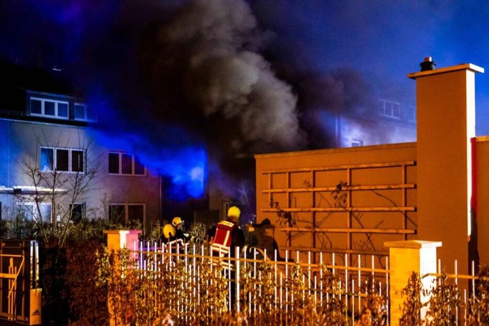 In einer Tiefgarage in Potsdam ist am späten Freitagabend ein Feuer ausgebrochen.