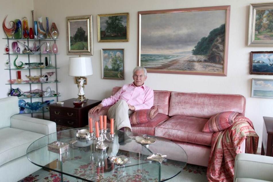 Gut fünf Monate nach seinem Tod kommen Möbel und Kunst aus seiner Wohnung an der Außenalster unter den Hammer.