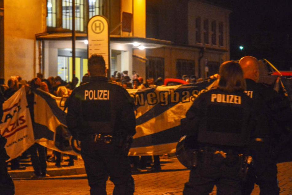 """""""Rassenkrieg gegen das deutsche Volk"""": Rechter Redner skandiert nach Todesfall in Köthen"""