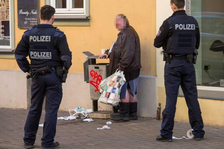 Dolores F., hier kurz vor einem Gerichtstermin im Februar, wurde nun in Leipzig erwischt, als sie ein reichhaltiges Abendessen nicht bezahlte.