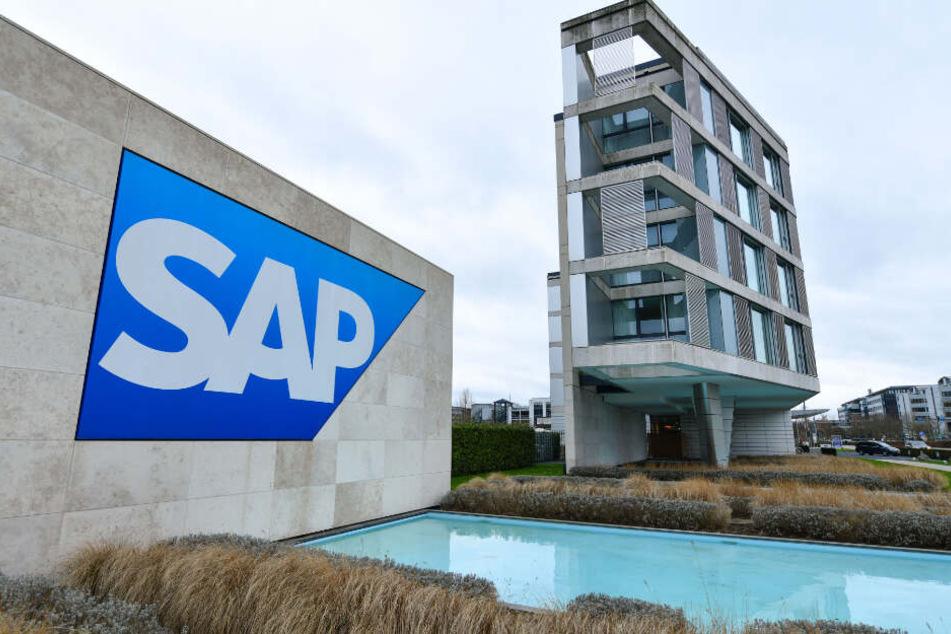 Das Logo des Softwarekonzerns SAP ist vor dem SAP Gästeaus zu sehen.