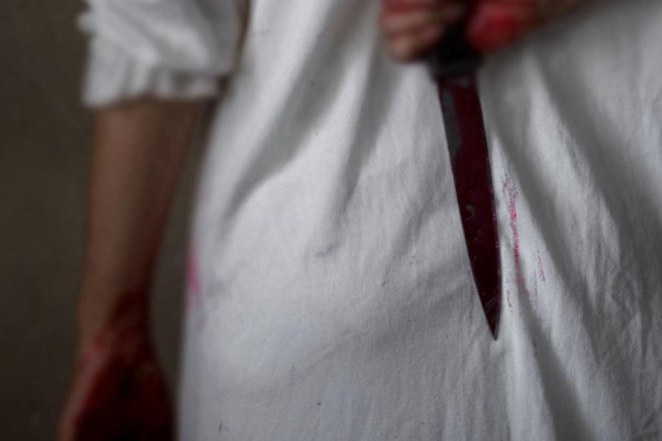 Messer und Laken geben Rätsel auf (Symbolbild).