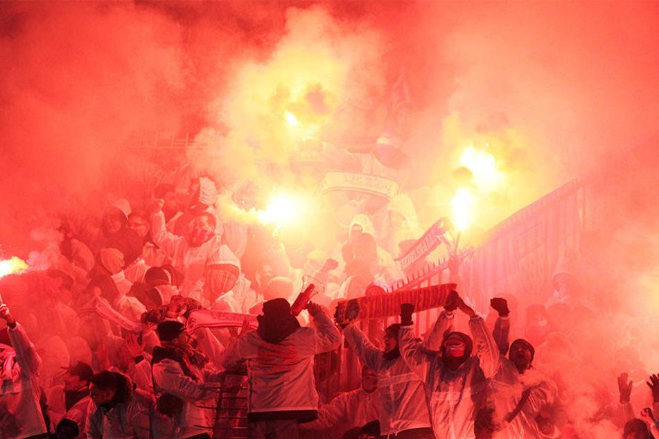 Die heißblütigen Fans von Roter Stern Belgrad sind nicht nur in Serbien berühmt-berüchtigt.