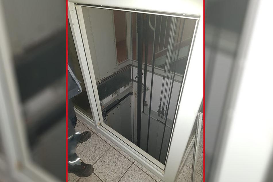 Einbrecher demontierten in der Neefestraße einen Aufzug, um sich zu einer Spielothek abzuseilen.