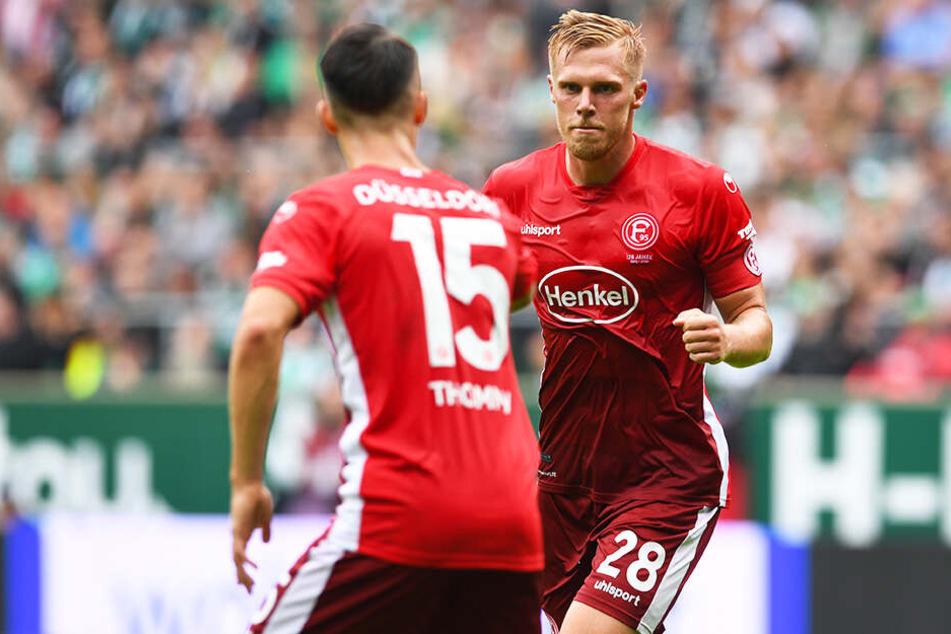 Rouwen Hennings (r.) brachte Fortuna Düsseldorf beim SV Werder Bremen auf die Siegerstraße.