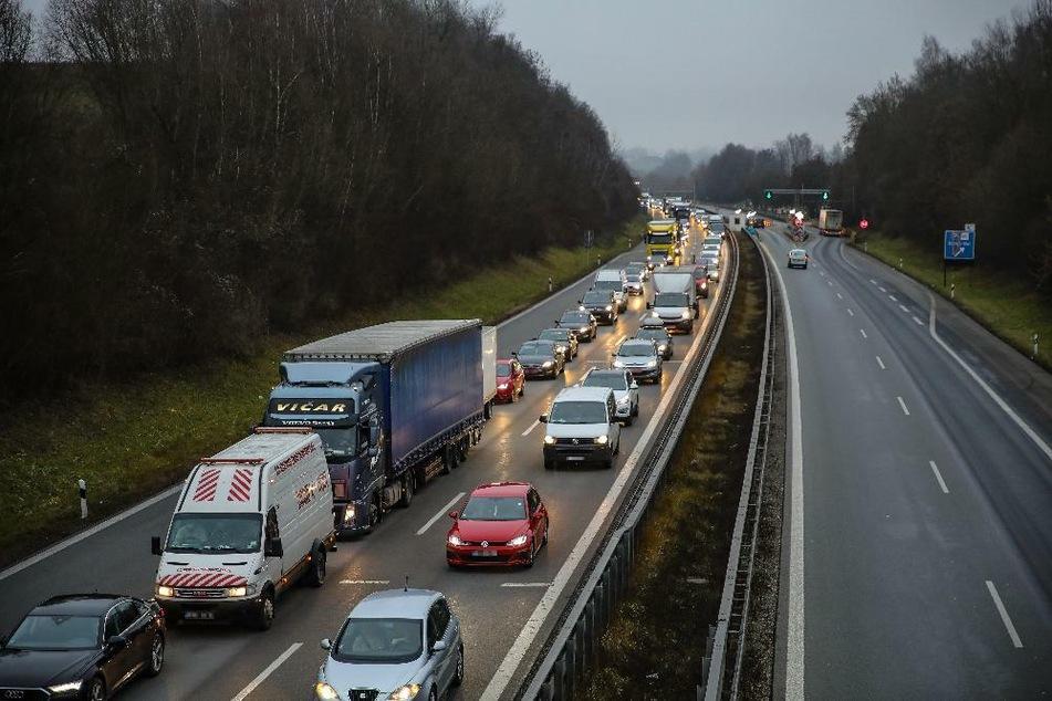 München: Stau auf A3 an Grenze zu Österreich! Lage könnte sich noch verschärfen