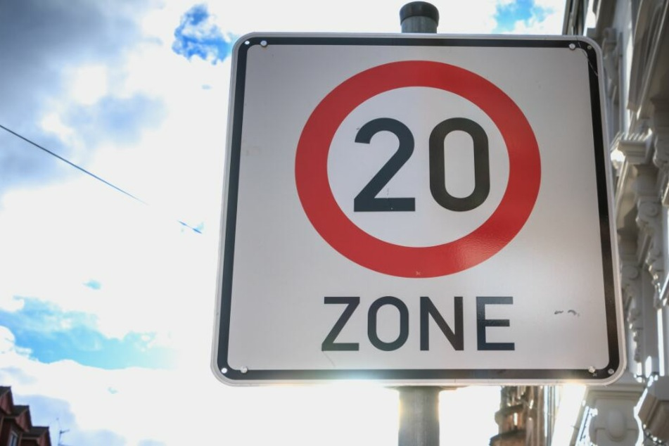 Das Schild mit dem Tempolimit 20 wurde ausgetauscht. (Symbolbild)