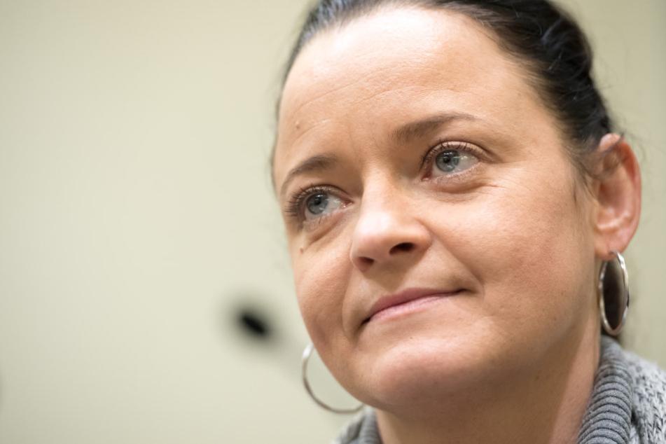 Beate Zschäpe hat zwei Befangenheitsanträge gegen Richter Manfred Götzl gestellt.