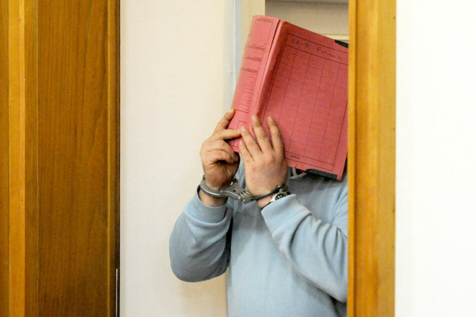 Niels Högel ist bereits wegen des Mordes an sechs Menschen verurteilt. Bald steht er erneut vor Gericht (Archivbild).