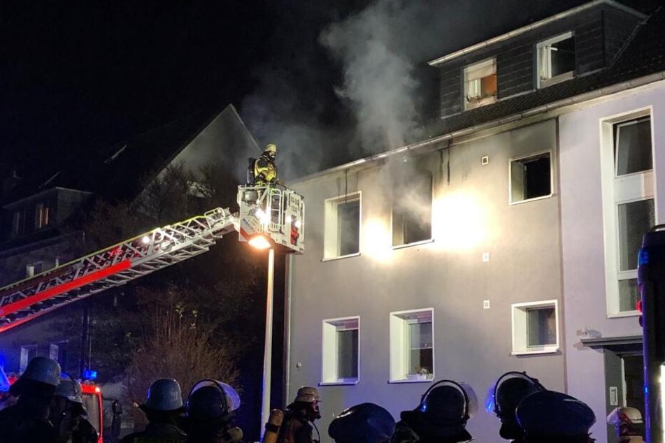 Bei dem Feuer sind zwölf Menschen verletzt worden.