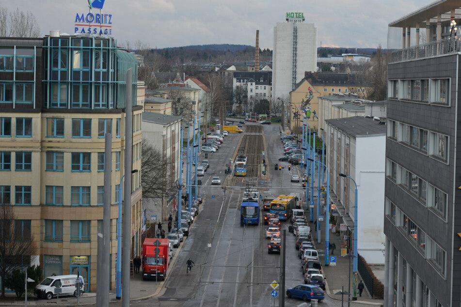 Blick in die Reitbahnstraße: Ab kommenden Montag werden hier Bäume gepflanzt und Pflanzbeete geplant. (Archivbild)