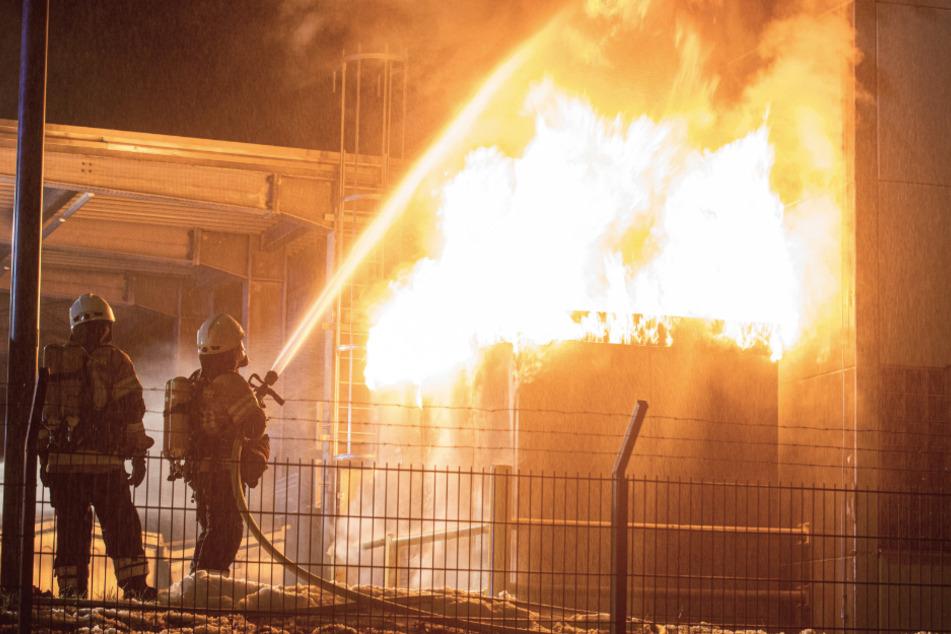 Trafo auf Daimler-Gelände geht in Flammen auf