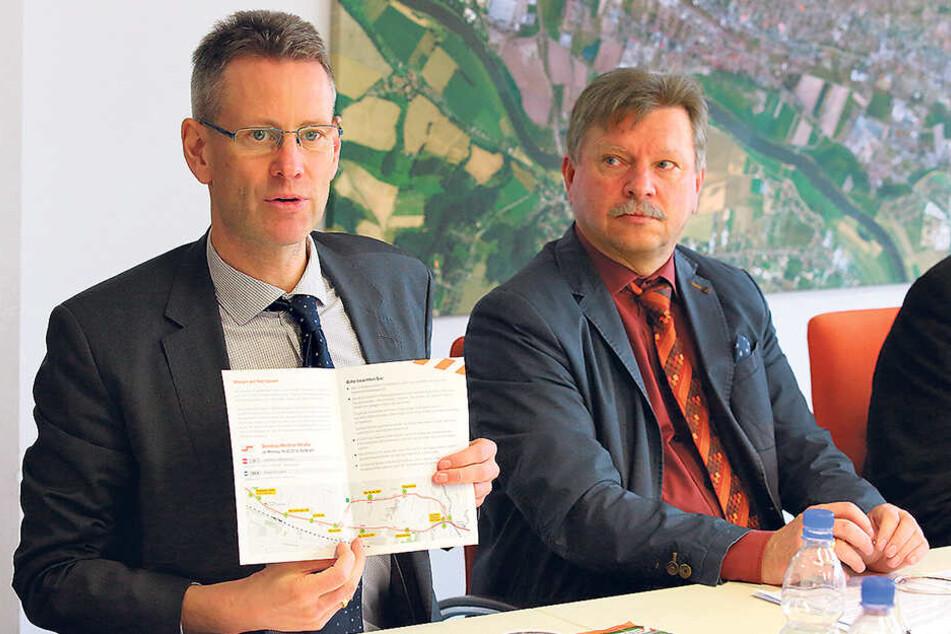 DVB-Chef Andreas Hemmersbach (50, l.) und Radebeuls OB Bert Wendsche (54) erläuterten das 12,6 Millionen Euro teure Projekt.