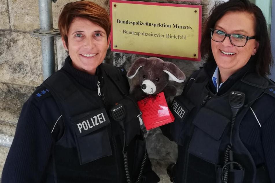 Die Bundespolizei setzte das Tier in Absprache in einen neuen Zug in Richtung Köln.