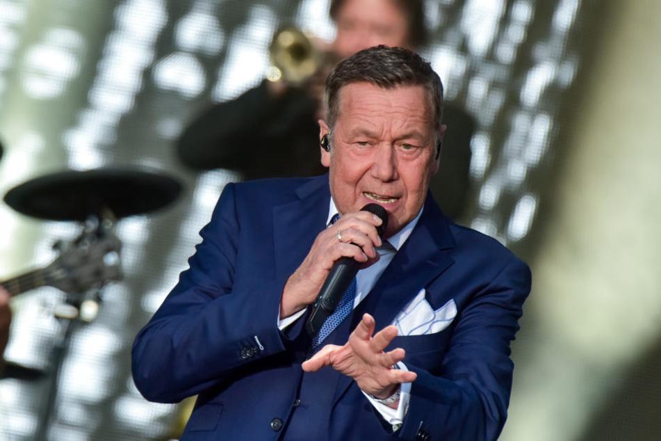 Fans, soweit das Auge reicht - rund 11.000 Menschen bejubelten den Sänger.