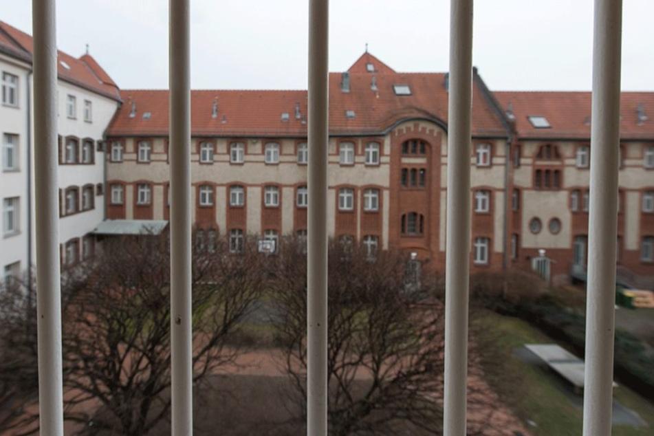 Aus Berliner Gefängnissen verschwanden 2016 52 Häftlinge, 30 fehlen bis heute.
