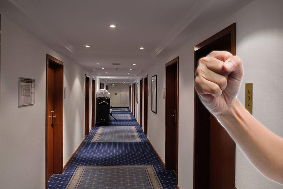 Unbekannte klopfen nachts an Hoteltür und schlagen zu